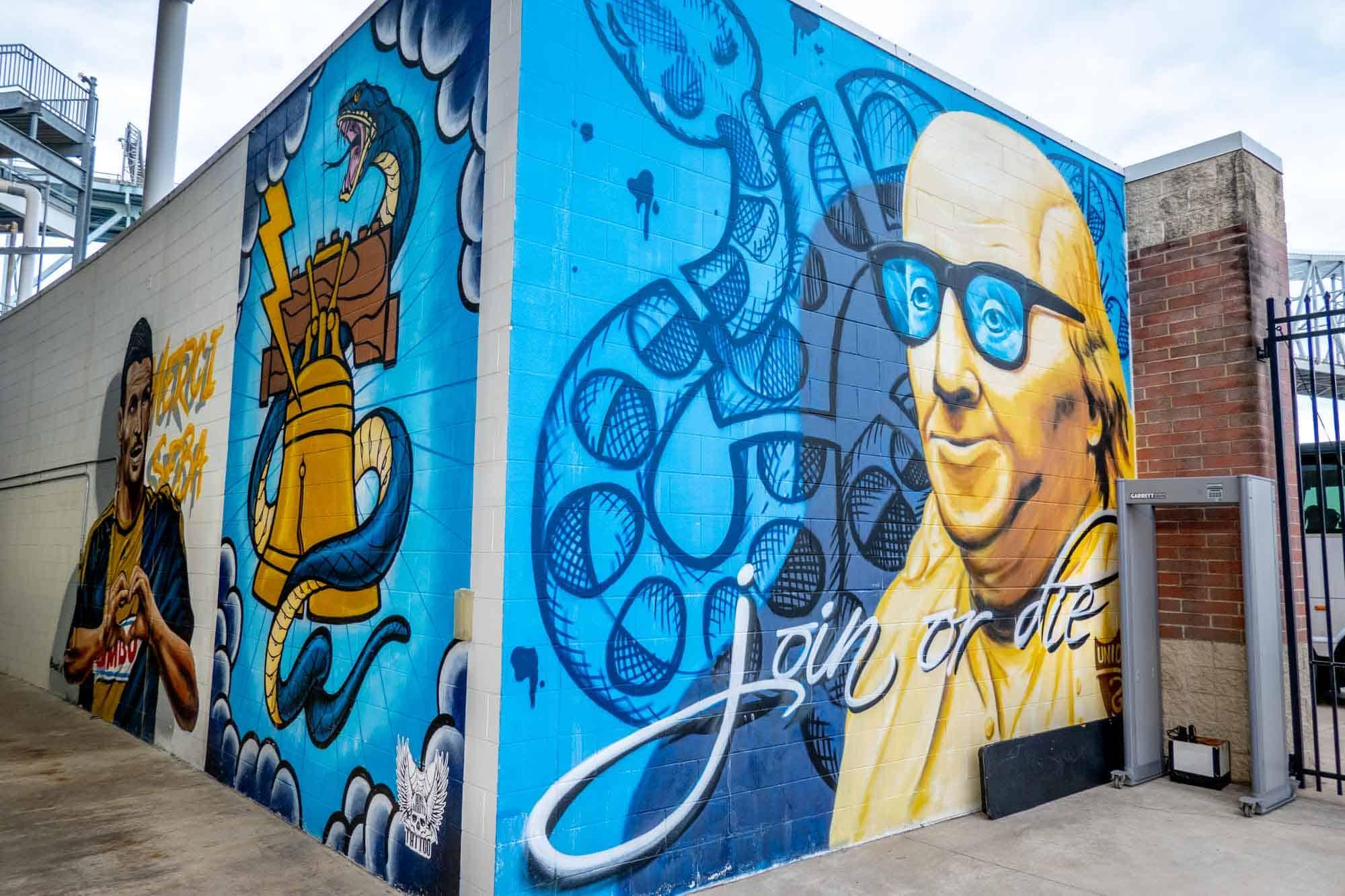 "Mural of Benjamin Franklin saying ""Join or  Die"""