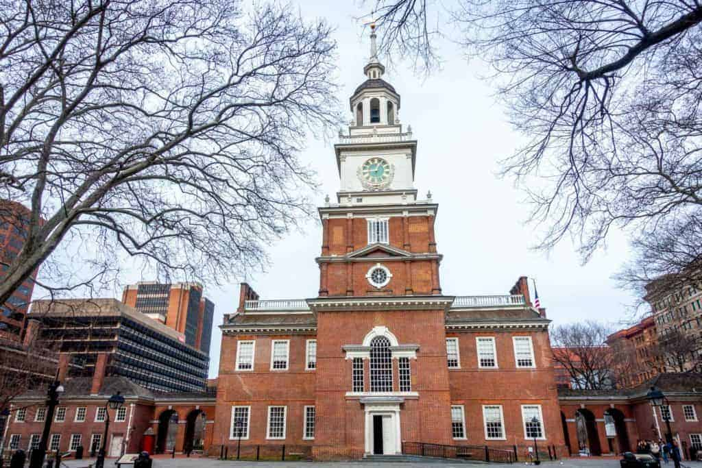 Exterior of Independence Hall in historic Philadelphia