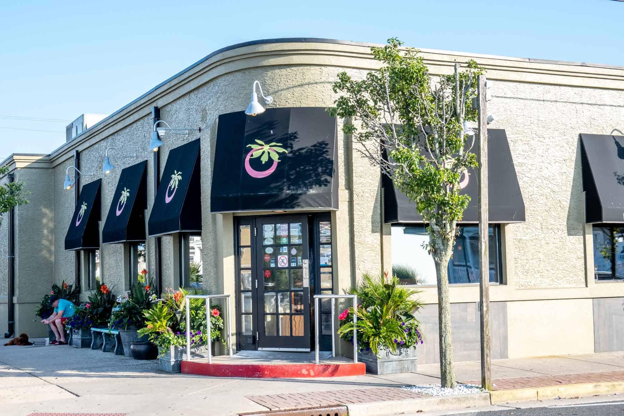Exterior of Tomatoe's restaurant in Margate NJ